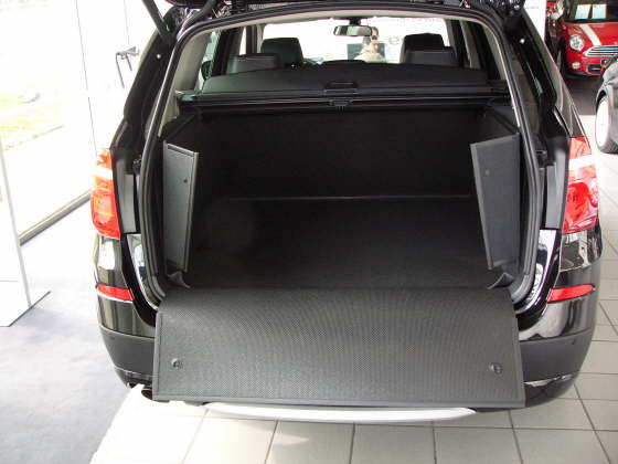 hundebox bmw x3 hundetransportbox bmw x3. Black Bedroom Furniture Sets. Home Design Ideas