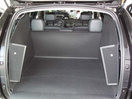 dacia duster 4x4 sondlsg kofferraumwanne dacia duster 4x4 sondlsg kofferraumschutz. Black Bedroom Furniture Sets. Home Design Ideas