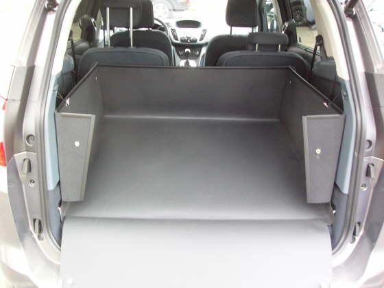 c max kofferraum kilometer im ford grand c max bilder. Black Bedroom Furniture Sets. Home Design Ideas