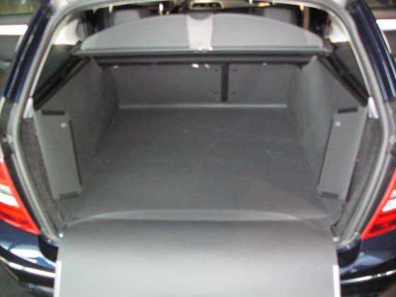 kofferraumwanne mercedes c klasse t modell kofferraumschutz mercedes c klasse t modell. Black Bedroom Furniture Sets. Home Design Ideas