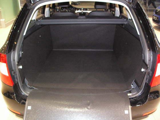 Kofferraumwanne Skoda Superb Combi Kofferraumschutz Skoda