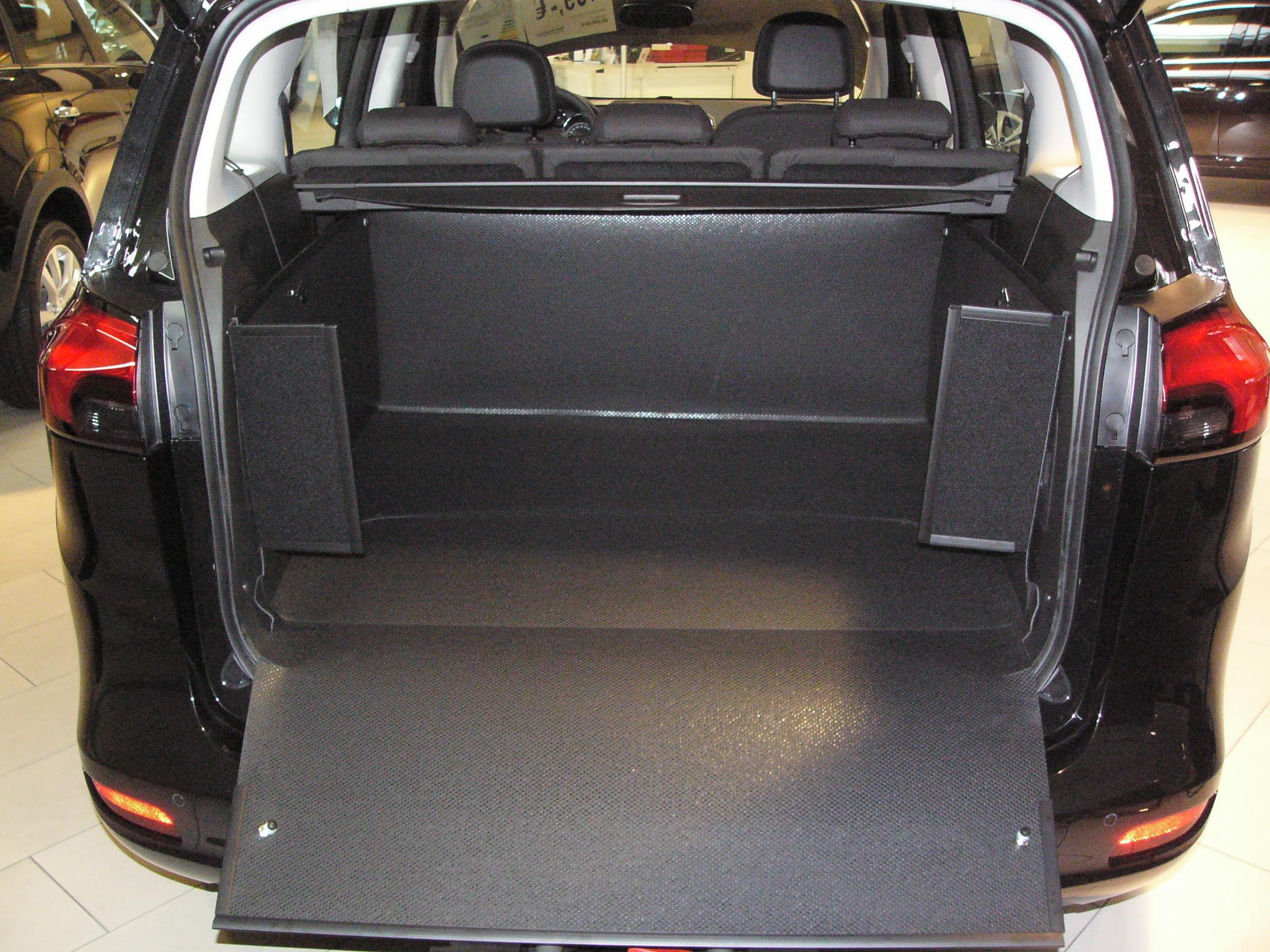 kofferraumwanne hundebox f r opel zafira tourer. Black Bedroom Furniture Sets. Home Design Ideas