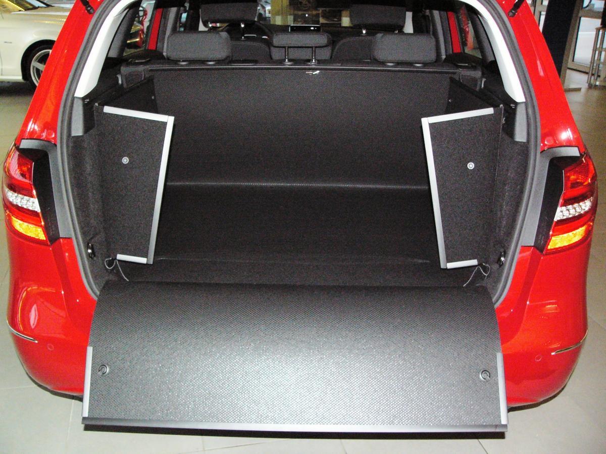 kofferraumwanne f r mercedes b klasse der unverw stliche. Black Bedroom Furniture Sets. Home Design Ideas